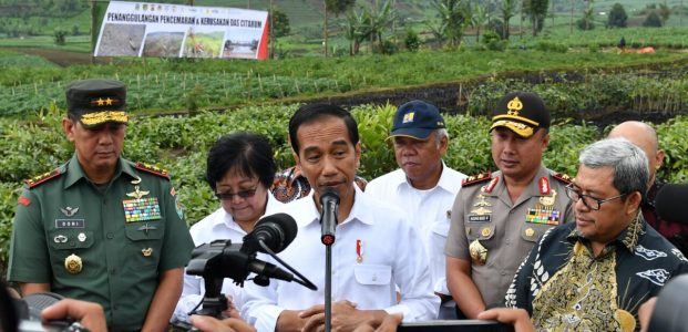 "Presiden: ""Jadikan Revitalisasi Sungai Citarum Sebagai Contoh Penanganan Sungai-Sungai di Indonesia !"""